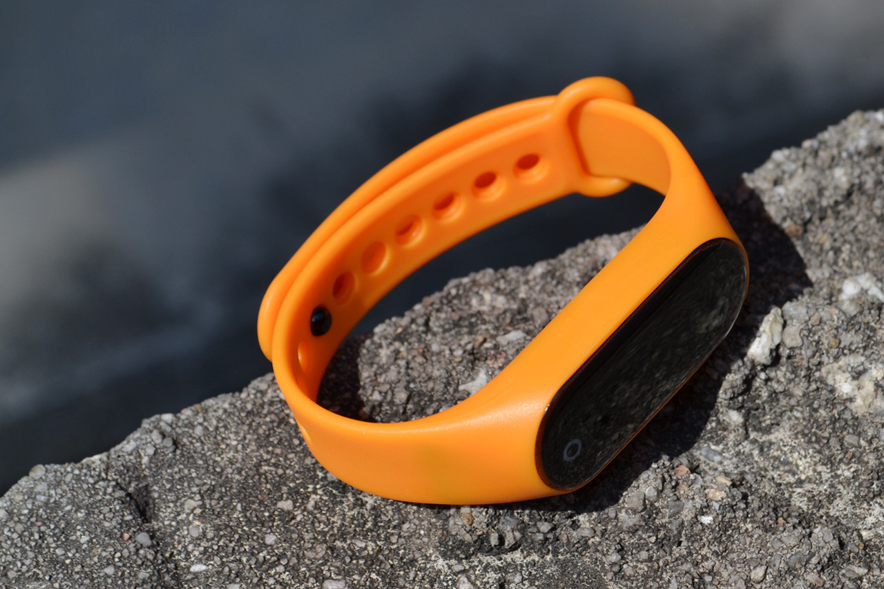 Guardian Smart Fitness Tracker, orange
