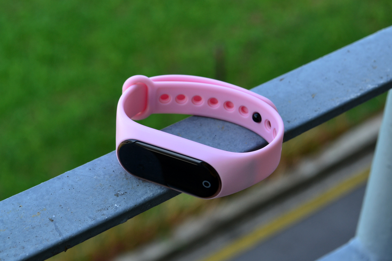 Guardian Smart Fitness Tracker, pink
